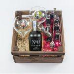 Pack de regalo gintonic con ginebra, tónica, copas, botánicos y accesorios