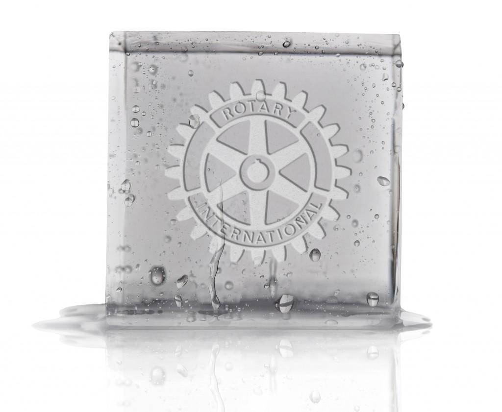 hielo con logotipo de rotary